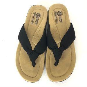 Earth Spirit thong sandals Size 7